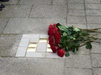 Das Bild zeigt einen Stolperstein zum Gedenken an Rosemarie Anspacher (15)