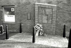 Das Bild zeigt die Gedenkstätte auf dem Gelände der Stahlwerke in Bremen