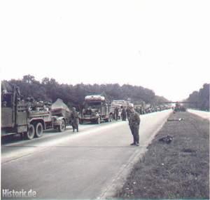 Das Bild zeigt einen Militärtransport auf der Bremer Autobahn