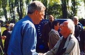 Das Bild zeigt die Verleihung des Friedenspreises im Jahre 1999