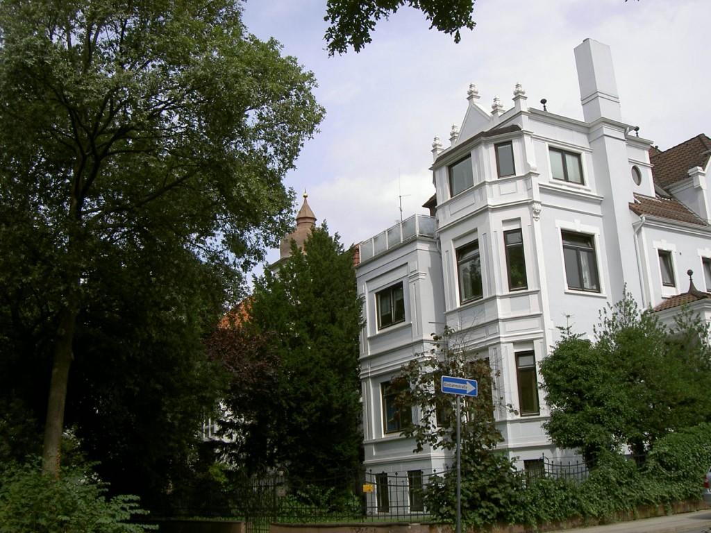 Das Bild zeigt die Parkallee Ecke Altmannstraße in der aktuellen Ansicht