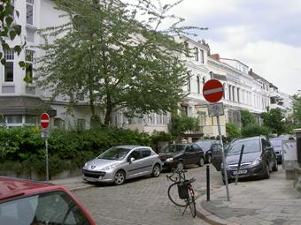 Das Bild zeigt die Schönhausenstraße heute