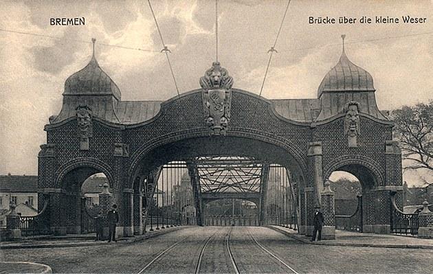 Das Bild zeigt die Weserbrücke im zweiten Weltkrieg total zerstört