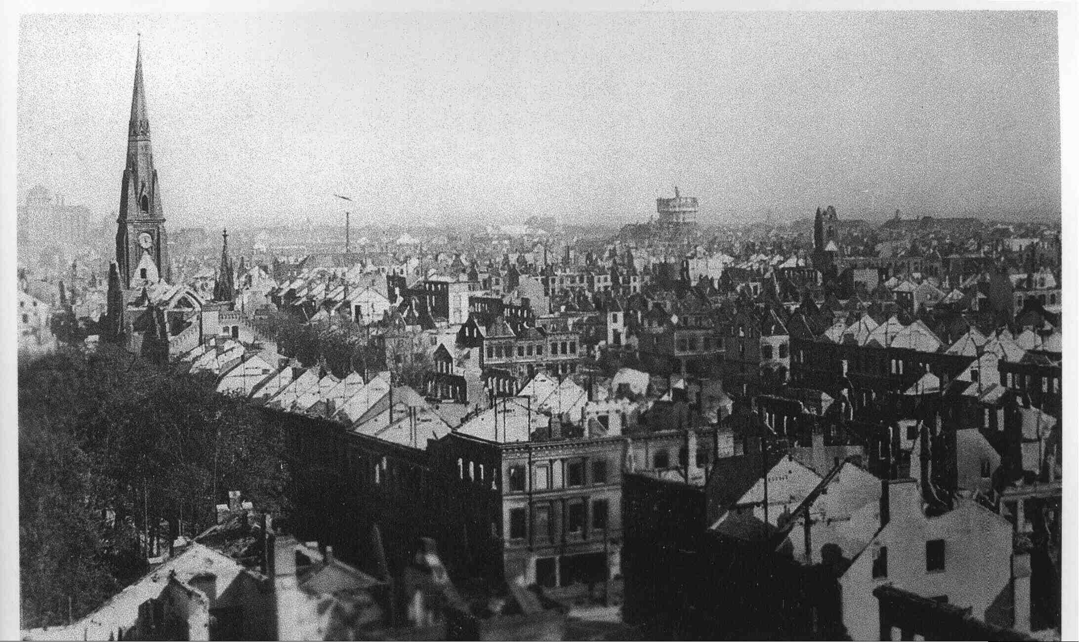Foto zeigt den zerstörten Bremer-Westen