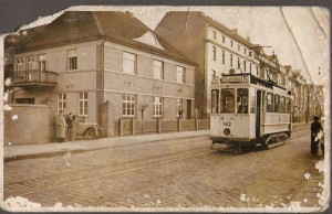 Das Bild Rennbergs Wohn- und Geschäftshaus wurde uns freundlicherweise von Frau Meyer zur Verfügung gestellt