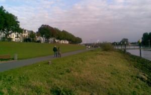 Blick auf die Weserprominade am Osterdeich heute